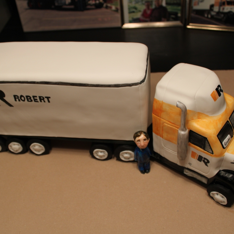 Robert Transport Cake